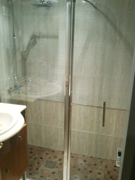 Ba era por ducha caso pr ctico reformas blog - Quitar banera y poner plato de ducha ...
