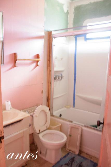 baño pequeño por reformar