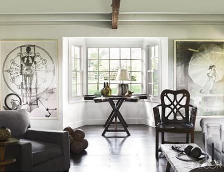 El clásico-reinventado con contrastes de blancos y madera en suelos y techo