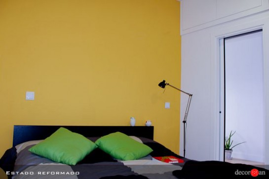 Un toque de color con la pared en amarillo